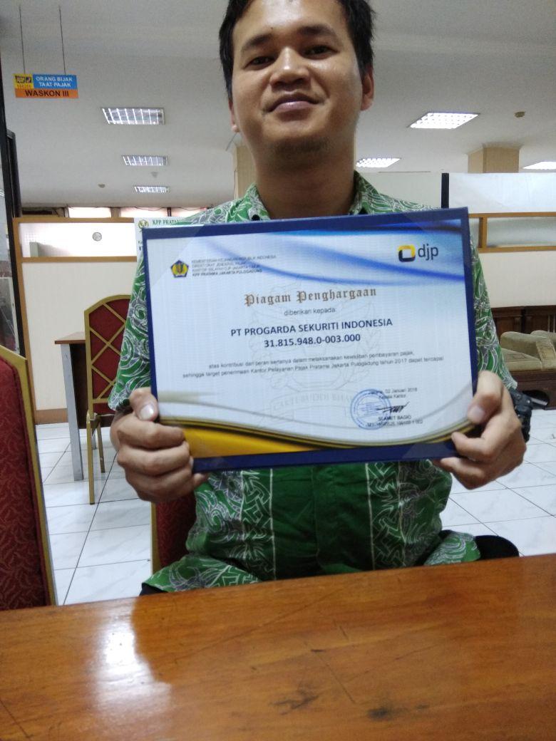 Penghargaan progarda dr ktr pajak